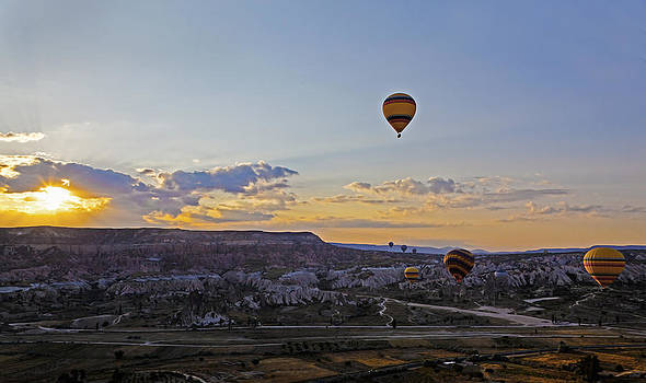 Kantilal Patel - Sunrise flight over Cappadocia