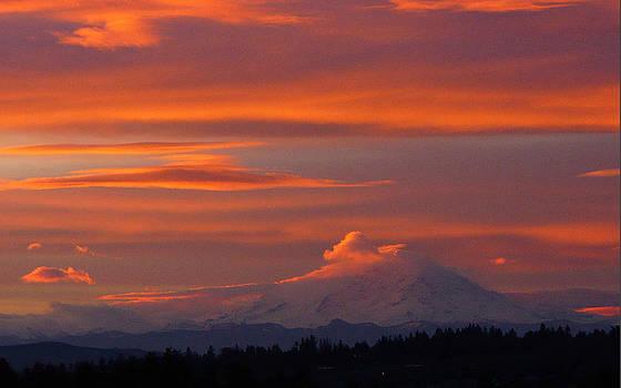 Sunrise Mt Rainier by Peggy Quade