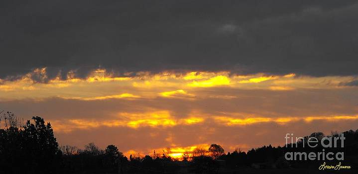 Sunrise over Tomlinson Hills by Lorraine Louwerse