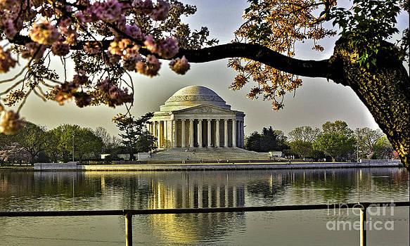 Sunrise Upon Thomas Jefferson by Mark East