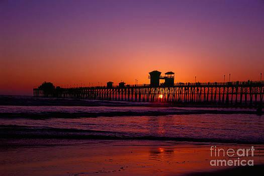 Daniel  Knighton - Sunset at Oceanside Pier