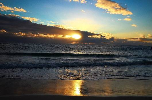 Sunset in Cottesloe Beach  by Andy Yoon