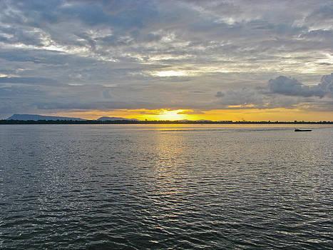 Sunset landscape by Nawarat Namphon
