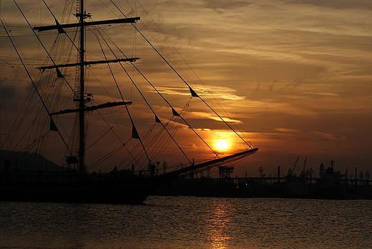 Sunset by YolitaYo