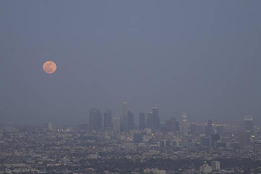 Super Moon Rising 3 by Ann Marie Donahue