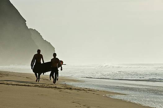 Surfers by Daniel Kulinski
