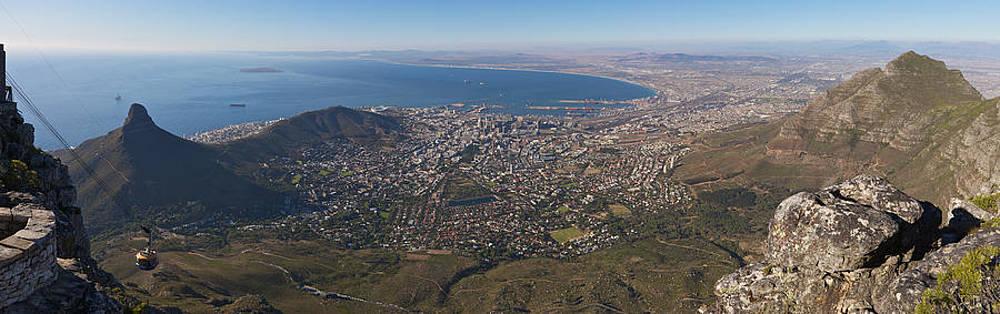 Table Mountain panorama by Johan Elzenga