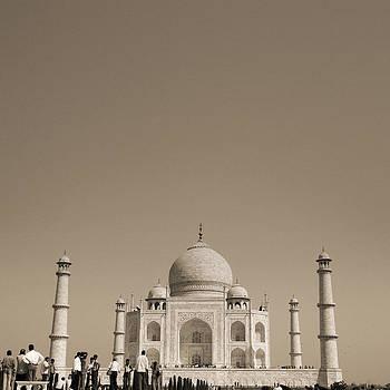 Taj Mahal by Mostafa Moftah
