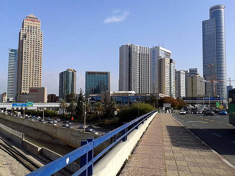 Tel Aviv - Ha Ayalon by Jonatan Kor