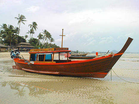Thai fishing boat by Yvan Goudard
