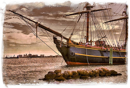 Debra and Dave Vanderlaan - The Bow of the HMS Bounty