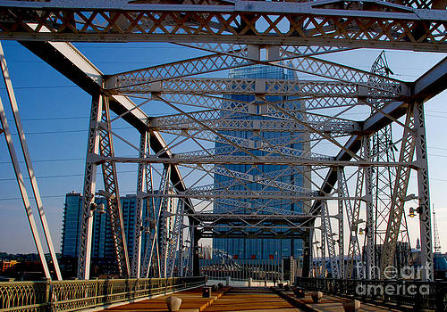Susanne Van Hulst - The Bridge in Nashville