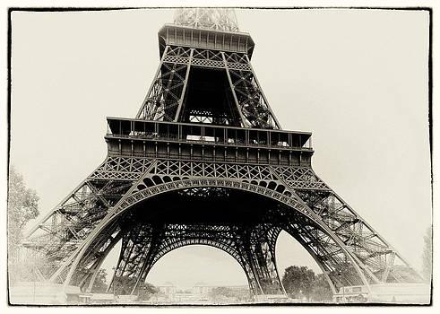 Hakon Soreide - The Eiffel Tower