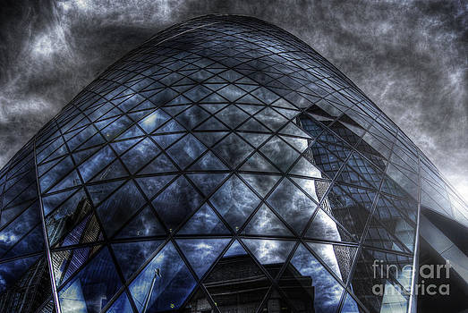 Yhun Suarez - The Gherkin - Neckbreaker View