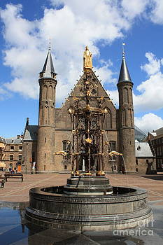 Danielle Groenen - The Hague Binnenhof and Fountain