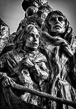 Val Black Russian Tourchin - The Irish Hunger Memorial Detail 3