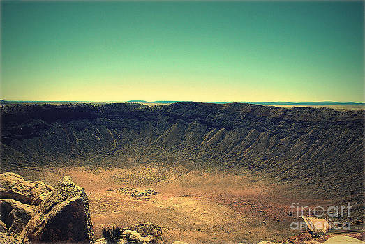 Susanne Van Hulst - The Meteor Crater in AZ 4