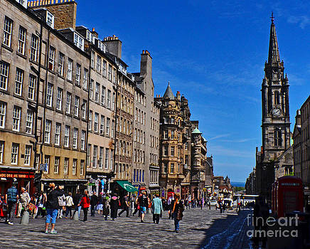 Pravine Chester - The Royal Mile in Edinburgh