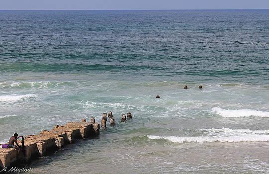 The sea by Amr Miqdadi