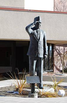 The Veteran - George Wahlen bronze statue by Stan Watts