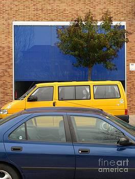 The Yellow Minibus by Alfredo Rodriguez