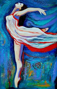 Tiny dancer by Claudia Fuenzalida Johns