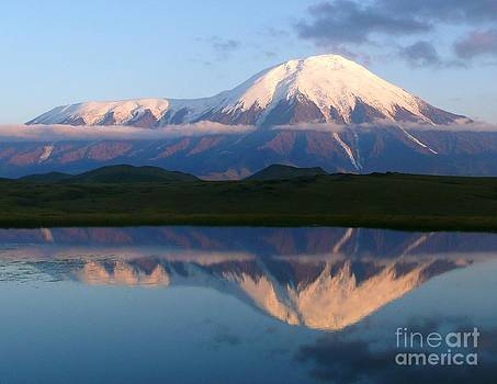 Tolbachyk Volcano by Bernard MICHEL