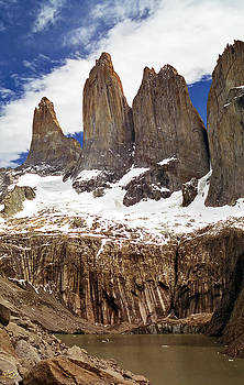 Torres del Paine by Kenneth Hadlock