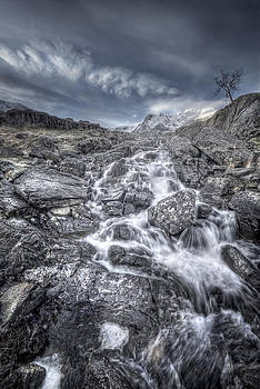 Towards the Cairn by Andy Astbury