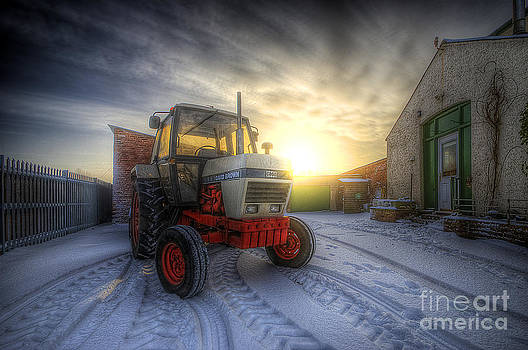 Yhun Suarez - Tractor Sunrise