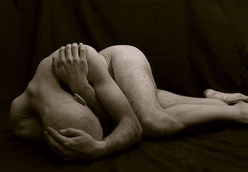 Tragic Figure by Ian Hemingway