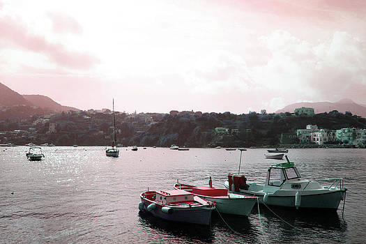 Tre Boats by La Dolce Vita