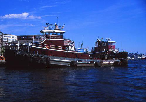Tugboat by Bob Whitt