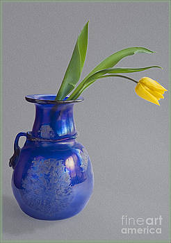 Tulip in Vase by George Hodlin