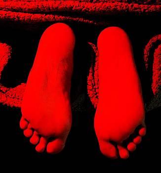 Two Feet Under by Richard Lloyd