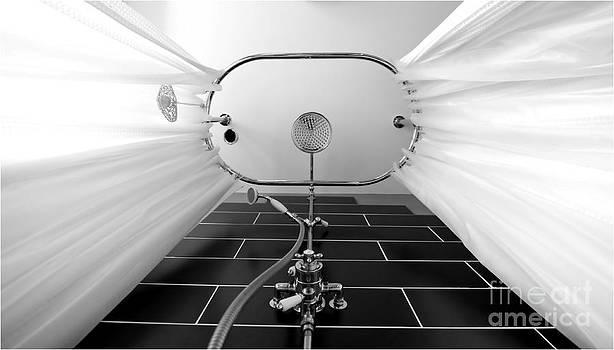 Simon Bratt Photography LRPS - Underneath an old style shower