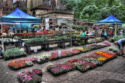 Union Square Market by Frank Garciarubio