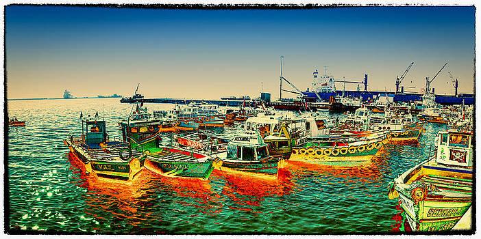 Valparaiso boats by Peter Crass