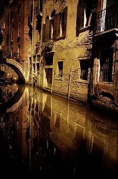 Venetian Meeting by Tim Kahane