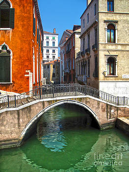 Gregory Dyer - Venice Italy - Canal Bridge