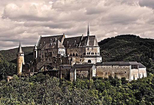 Vianden Castle - Luxembourg by Juergen Weiss