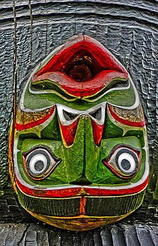 Gregory Dyer - Victoria Canada Totem - 03