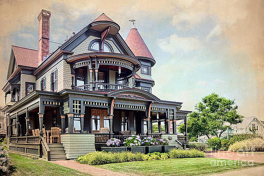 Victorian House Marthas Vineyard by Susan Isakson