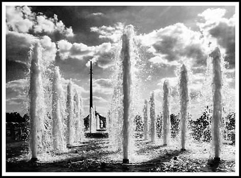 Victory Park Fountains by Mark Britten