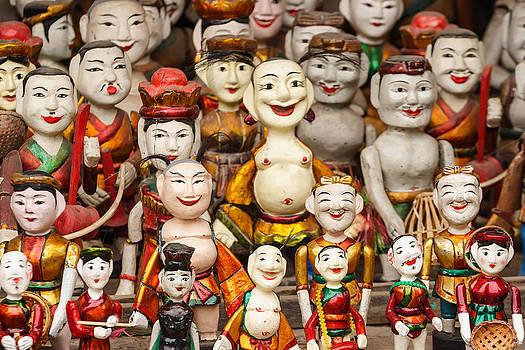 Vietnam Clay figurine by Panya Jampatong