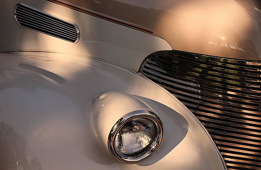 TONY GRIDER - Vintage Chevy Grill