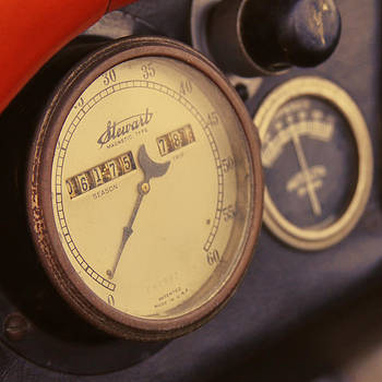 TONY GRIDER - Vintage Speedometer