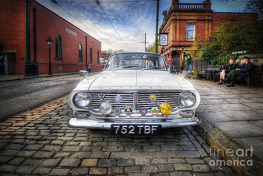 Yhun Suarez - Vintage Vauxhall