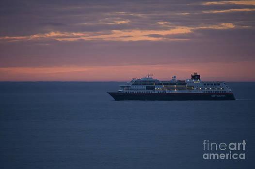 Heiko Koehrer-Wagner - Voyage through the Barents Sea