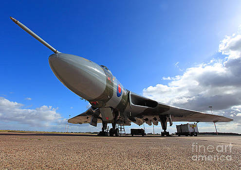 Vulcan XH558 by Clare Scott